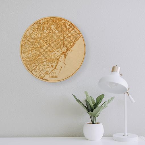 Mapa de Barcelona de madera circular grabado a láser