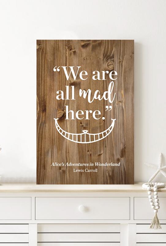 tablon-de-madera-alice-in-wonderland-mockup